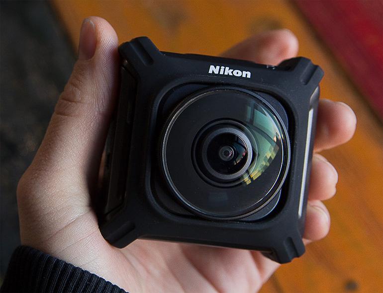 Миниатюрная камера KeyMission 360 Nikon
