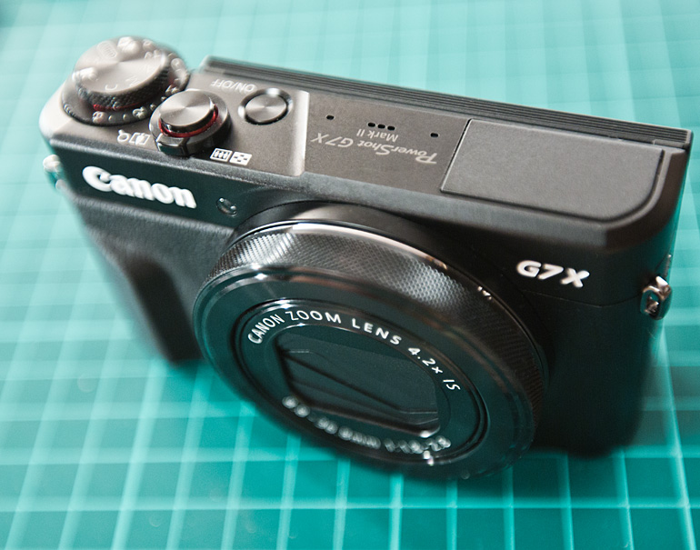 Canon G7X Mark II - лучший фотоаппарат